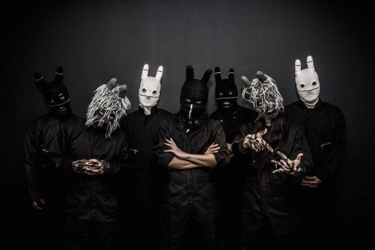 【エンタメ画像】正体不明の謎の7人組バンド『CRAZY N' SANE』の詳細が不明過ぎる