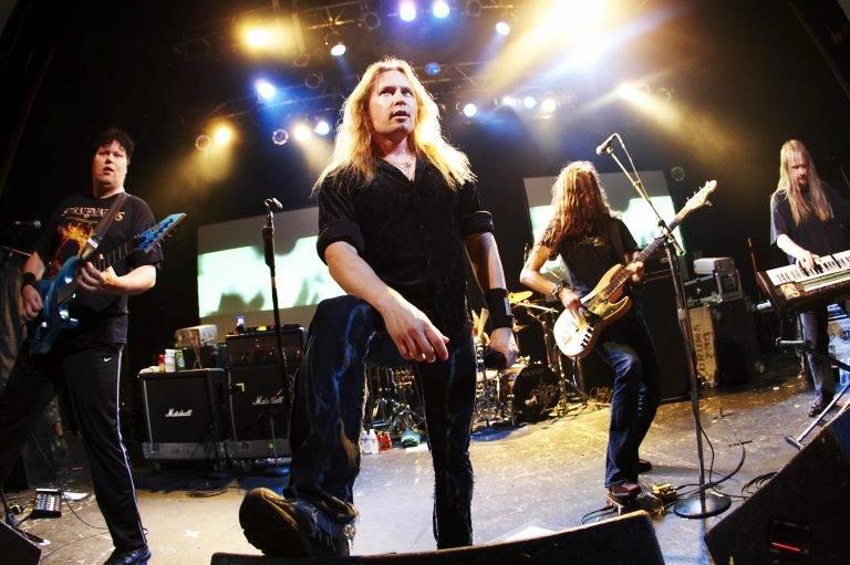 【エンタメ画像】フィンランドのパワーメタル・バンド『Stratovarius』の「Eagleheart」っていう曲